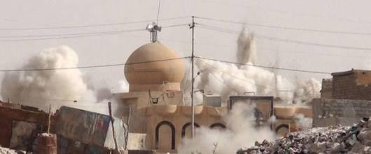 ISIS hancurkan masjid di Irak. ©RT.com